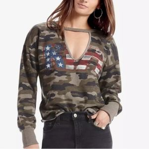 Lucky Brand Camo KISS Pullover Sweater Size S